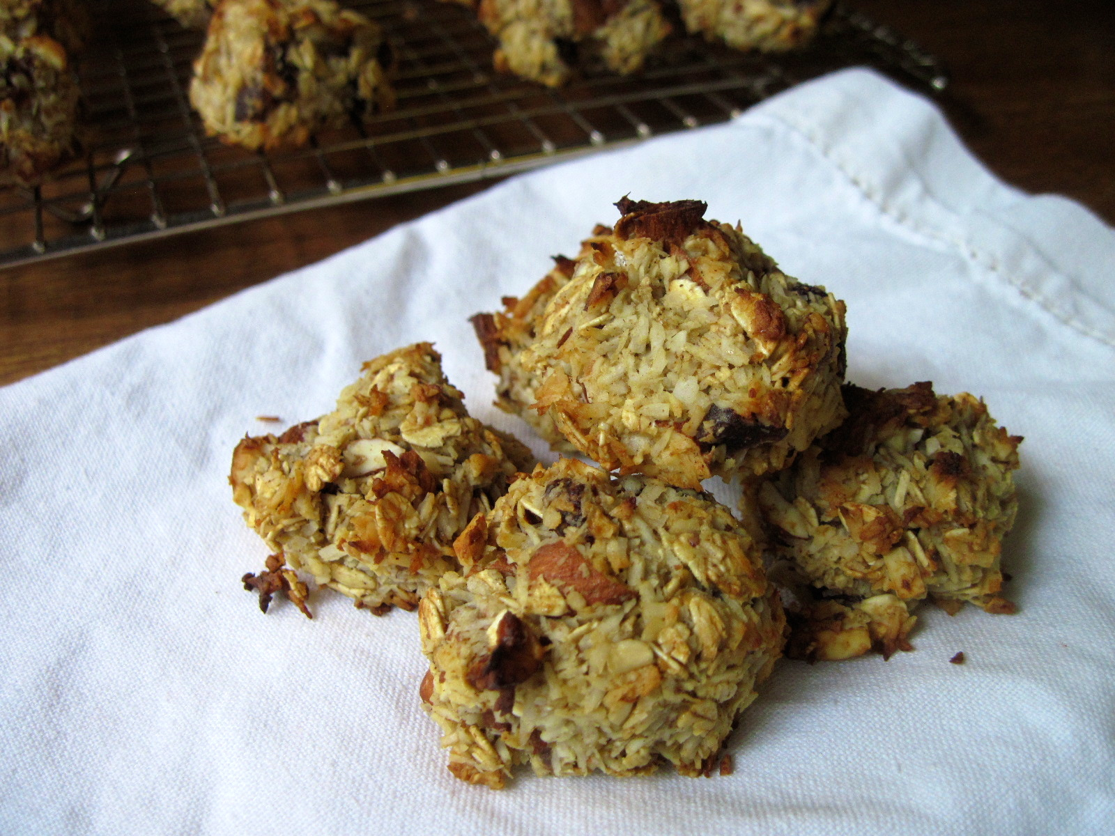 Coconut Oat and Date Cookies | Korena in the Kitchen
