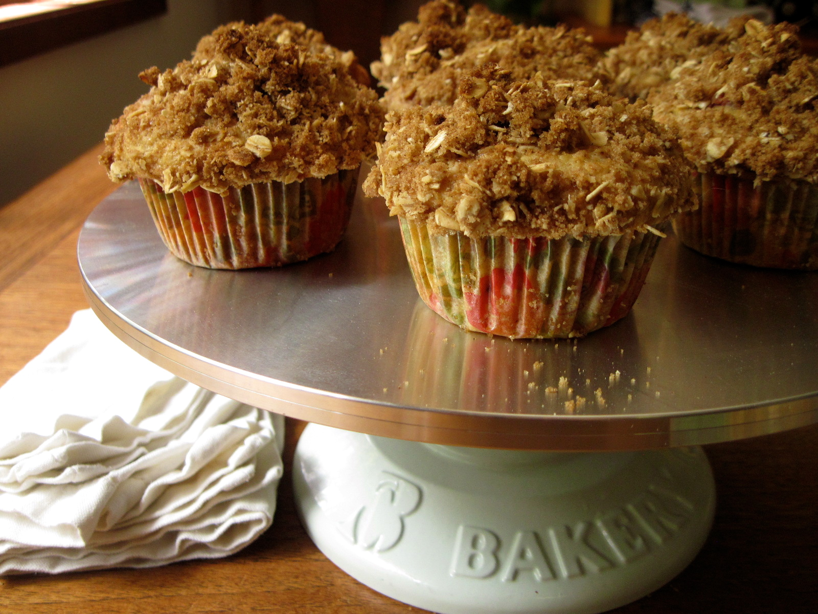 Strawberry Yogurt Muffins with Oat Crumble Topping | Korena in the Kitchen