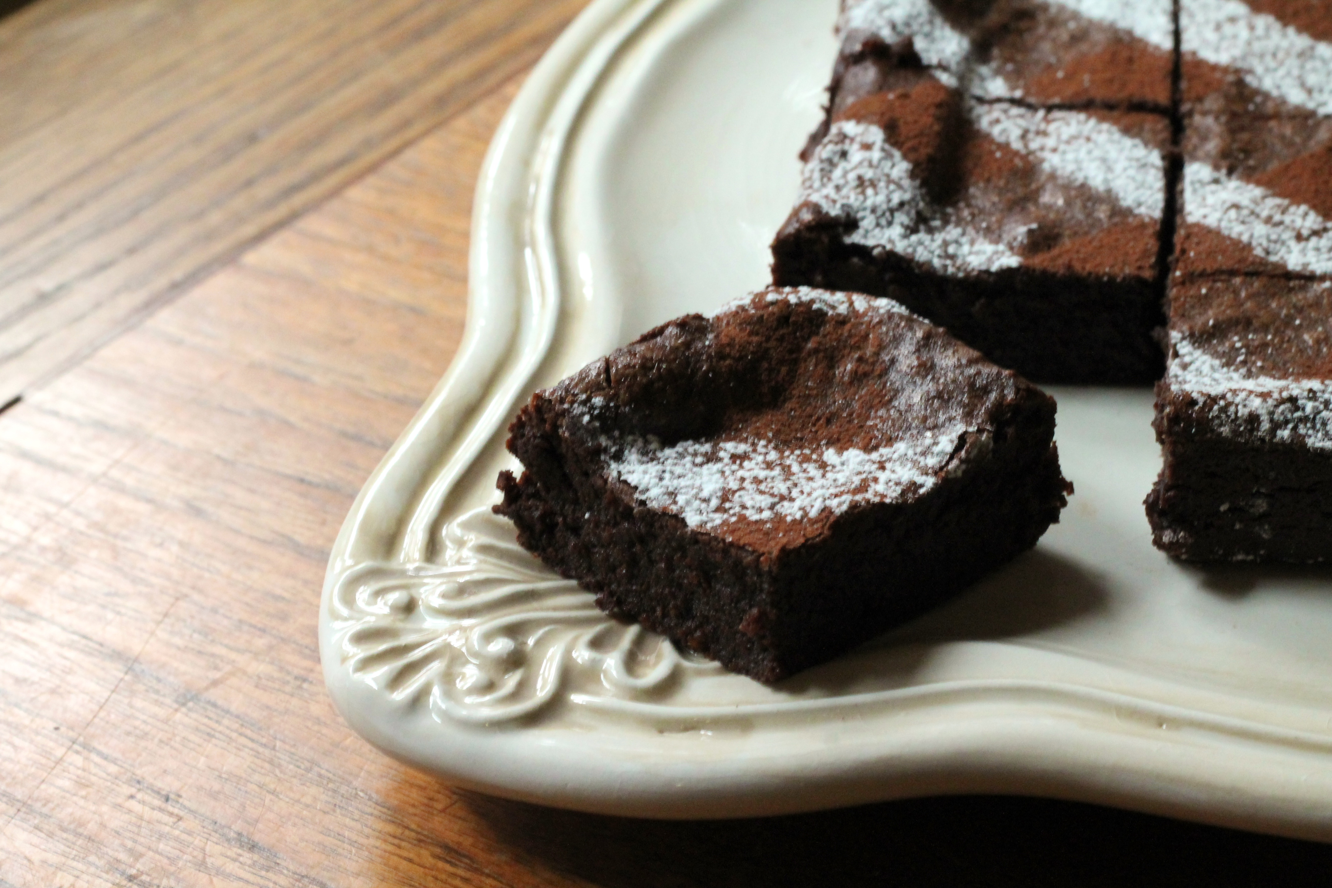 Fudgy Cocoa-Quinoa Brownies | Korena in the Kitchen