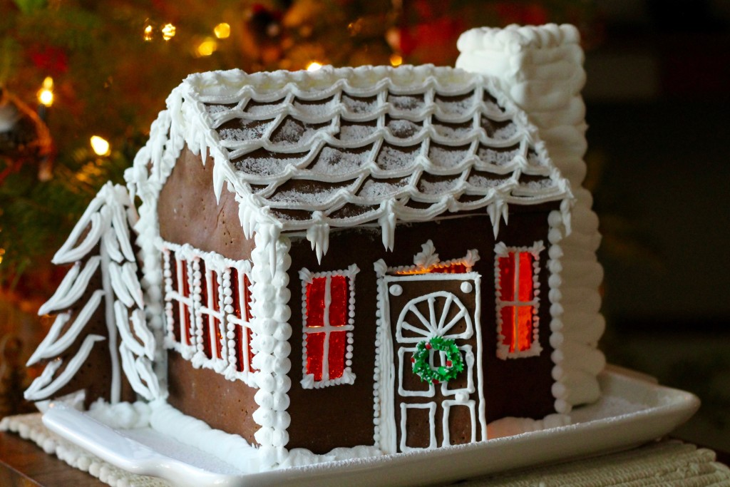 Gingerbread Cottage | Korena in the Kitchen