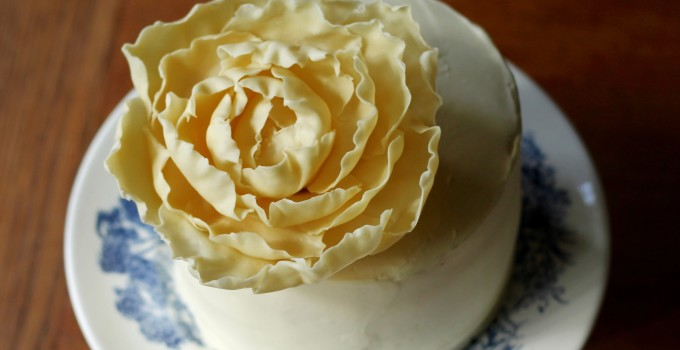 How to Make a White Chocolate Peony