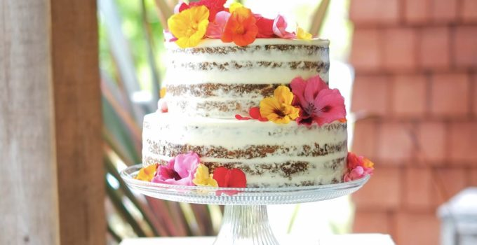 {Naked} Carrot Wedding Cake